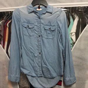 SO brand long sleeve button up shirt